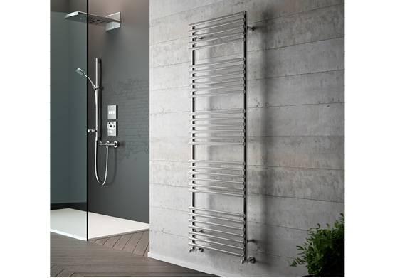 3754_n_555x390_Heated towel rail_radiator_gloria_chrome
