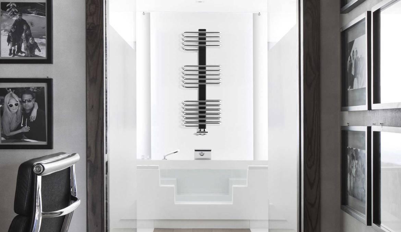 Sèche-serviettes-Siena-lazzarini-sur-baignoire