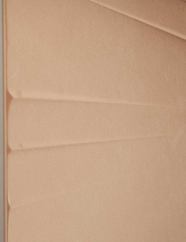 détail radiateur-graphique-linea-Graziano-en-savon en pierre