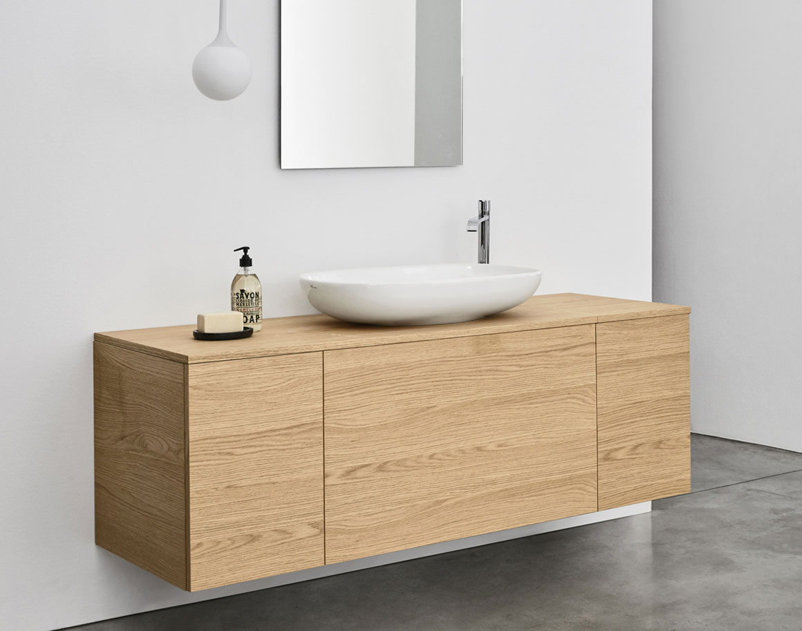 Lay-on-washbasin-nic-design-milk-light-extreme