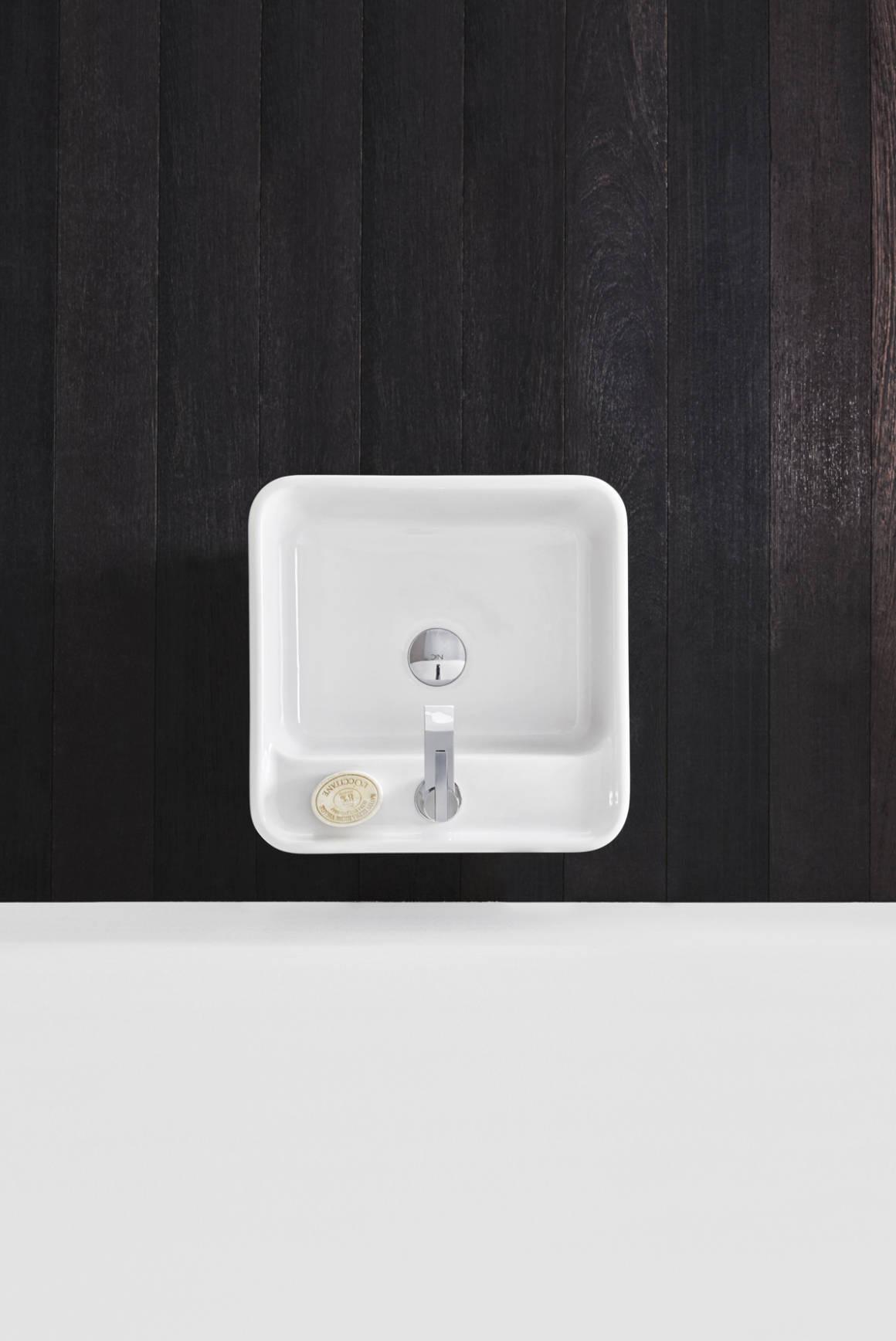 lavabo da terra bianco nic design semplice freestanding con foro