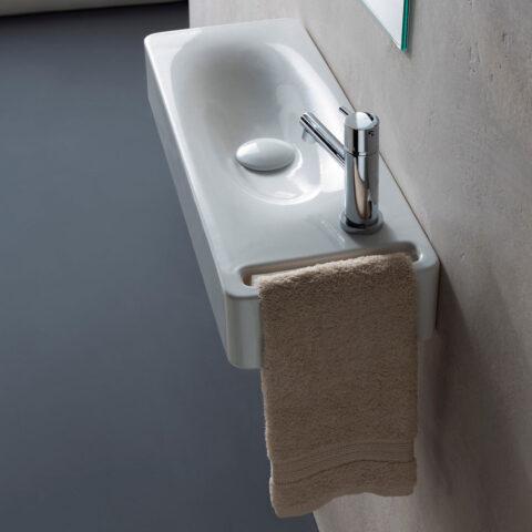 lavabo-sospeso-in-ceramica-con-foro-scarabeo-serie-hung