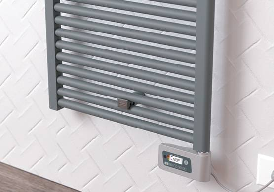 Scaldasalviette-Claudia-elettric-thermo-furnishing-bathroom-cordivari-thermostat-plus
