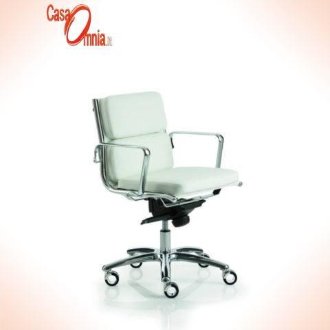 sedia-direzionale-luxy--modello-light-18000-schienale-medio
