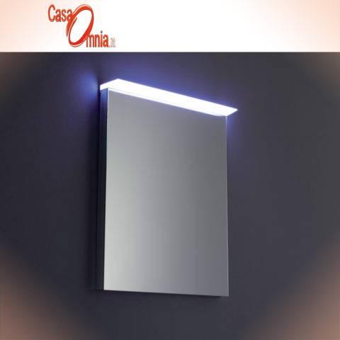 specchio-antiappannamento-illuminazione-tramite-plexiglass