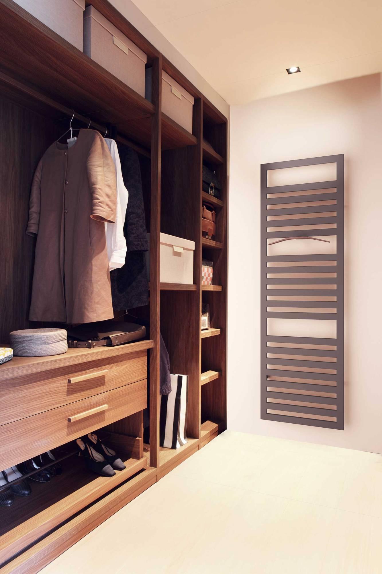 sèche-serviettes URBINO_tobacco_ambiance_dressingroom