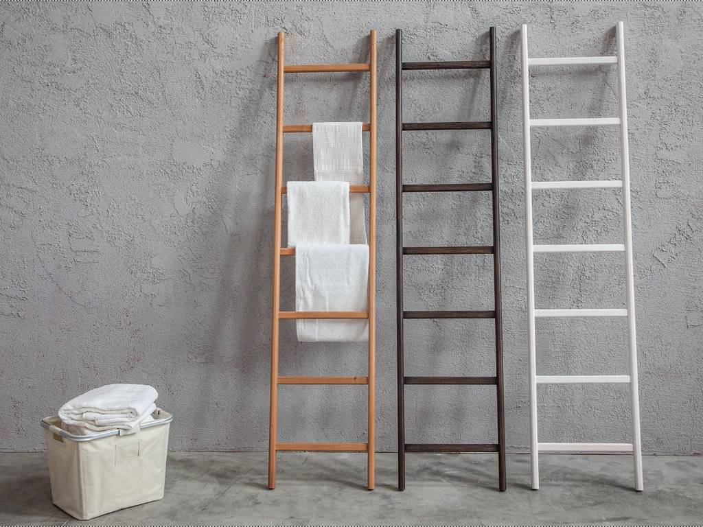 scala_porta_asciugamani_in_legno_bianco_wenge_o_naturale