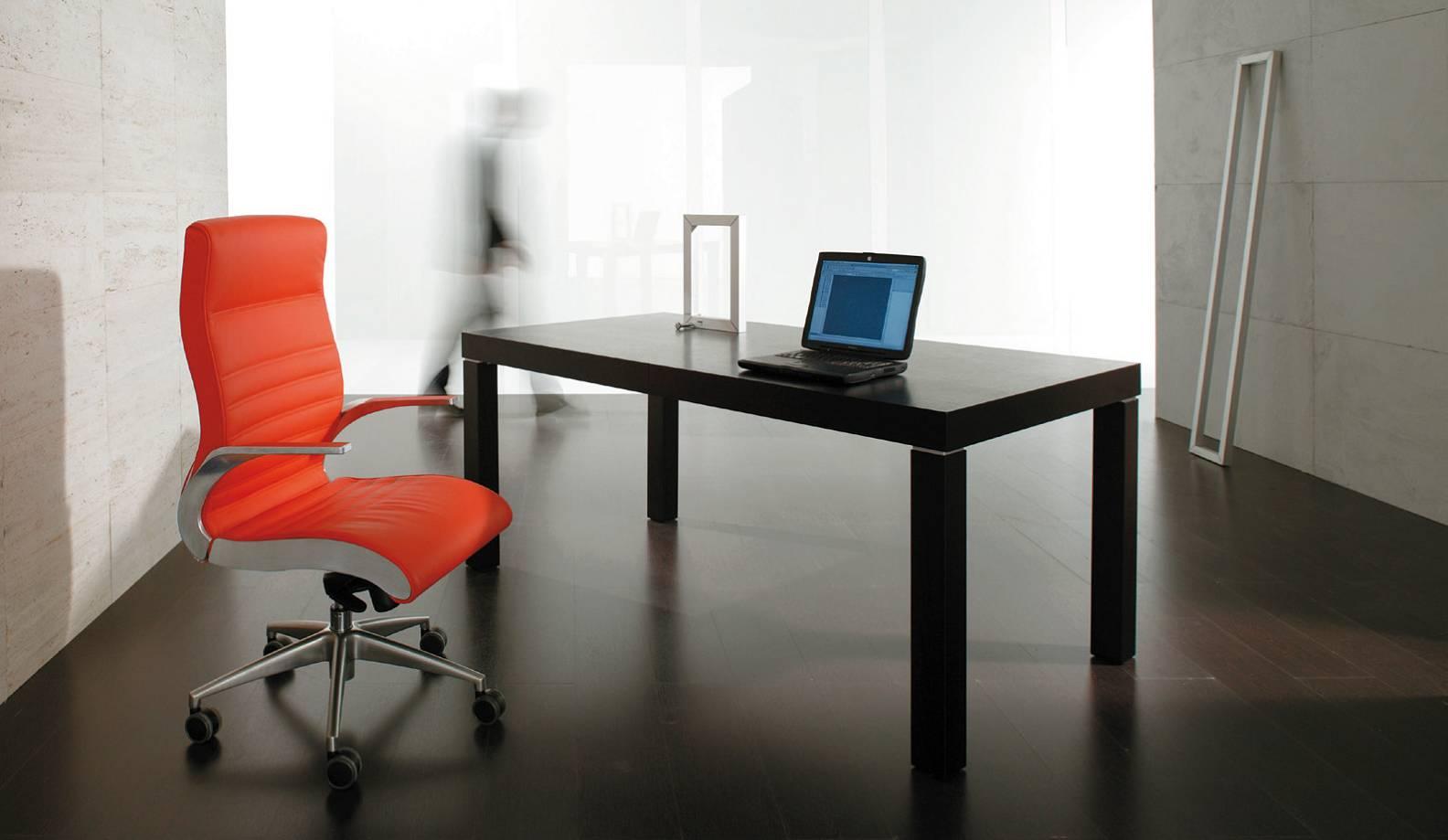 sedute_direzionali_luxy_serie_synchrony_ergonomica_fissa_ufficio_alluminio_schienale_alto_medio_alto_rossa