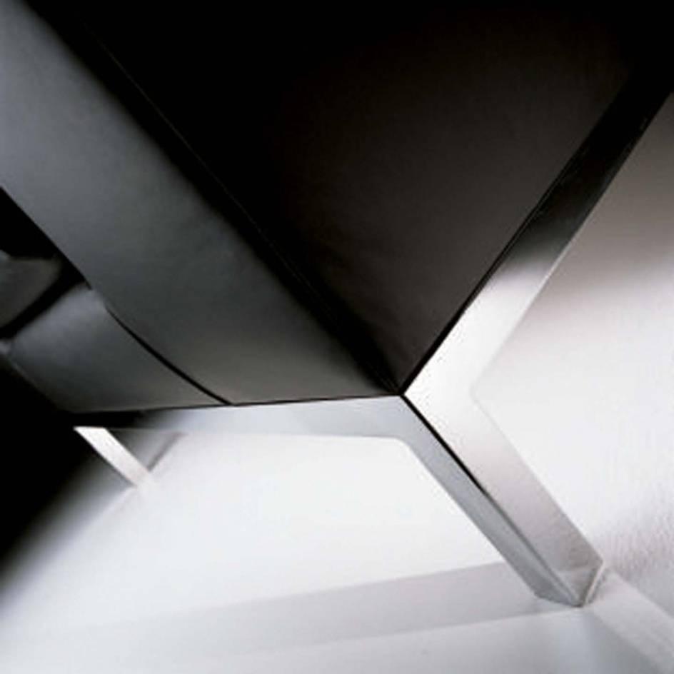 sedute_poltrone_luxy_serie_cube_ergonomica_fissa_ufficio_attesa_schienale_medio_singolo_imbottita_pelle_nero_dettagli