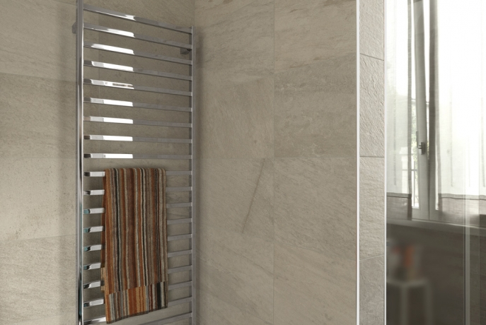sèche-serviette de l'eau slim q deltacalor chrome carré