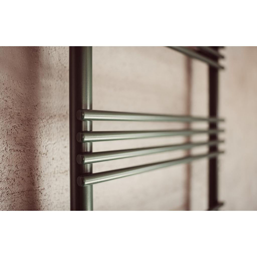 scaldasalviette verticale colorato dettaglio tubi for ever graziano radiators