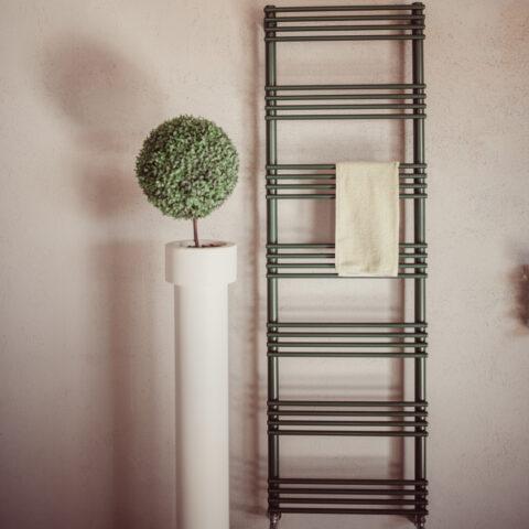 scaldasalviette verticale colorato for ever graziano radiators