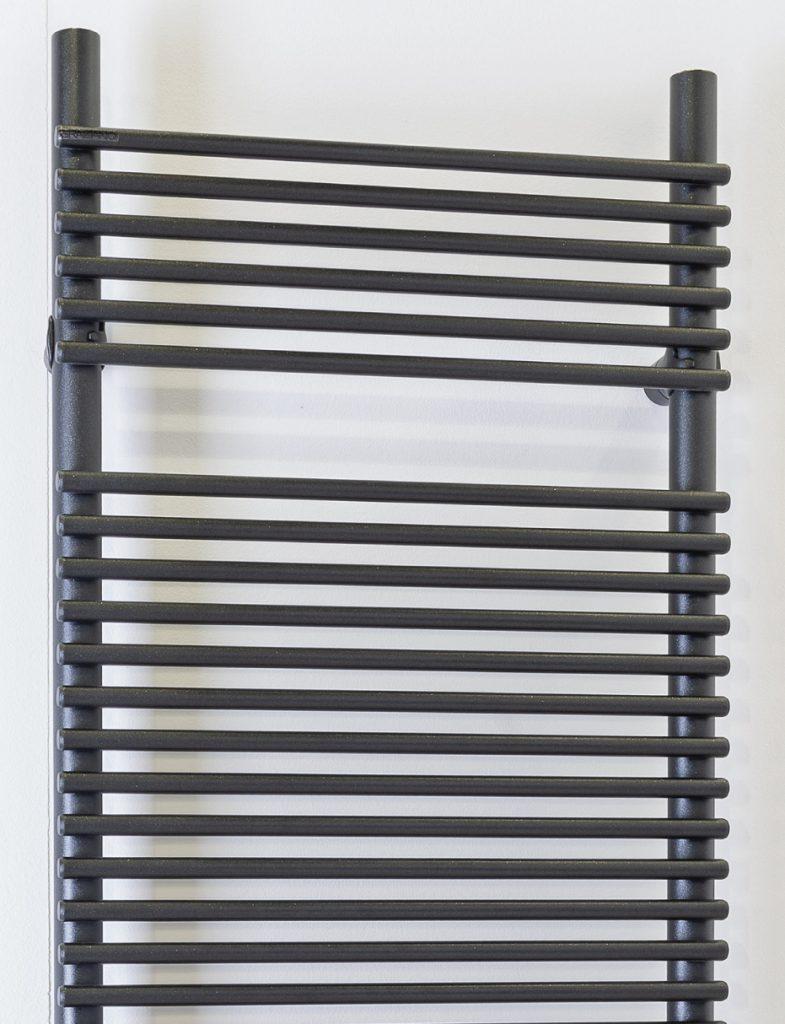 scaldsalviette verticale bianco colorato city v graziano radiators